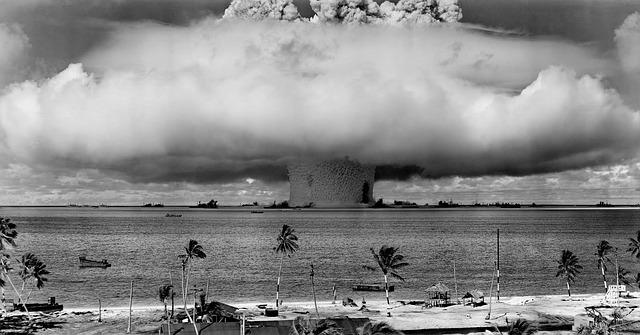 Tuumakatsetus Bikini atollil Vaikses ookeanis 1946 (Pixabay, Public Domain)