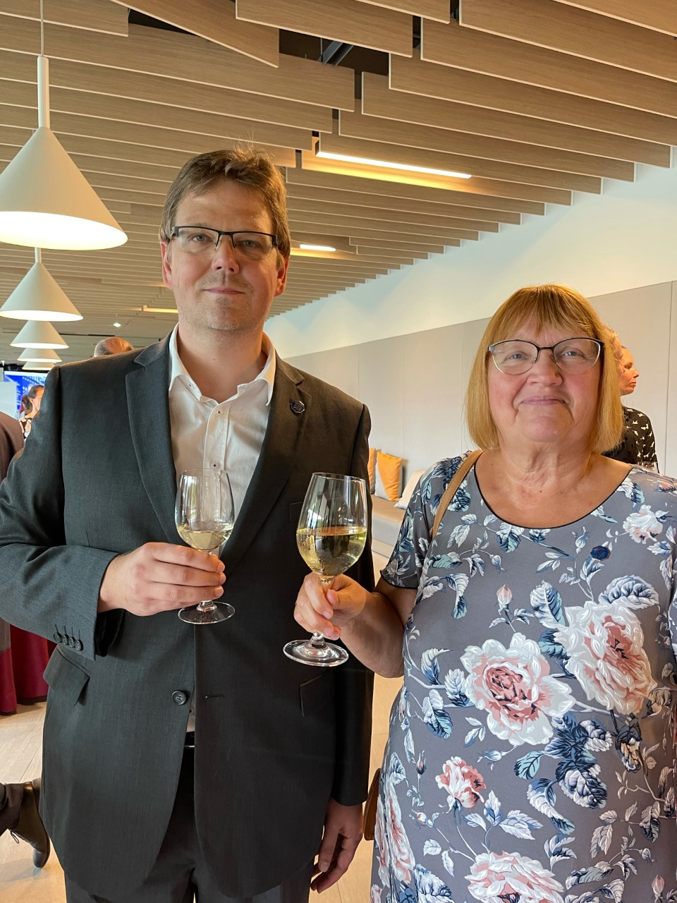 Tartu Ülikool tänas aumärgiga matemaatika didaktika nooremlektorit Sirje Pihlapit. Aumärgi sai Tartu Ülikoolilt ka matemaatika ja statistika instituudi juhataja Meelis Käärik.