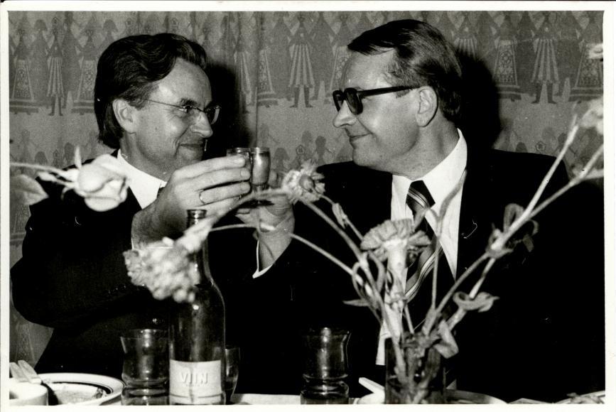 Värsked filoloogiadoktorid Ago Künnap ja Huno Rätsep (1974)