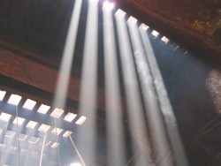 Valguskiired templis
